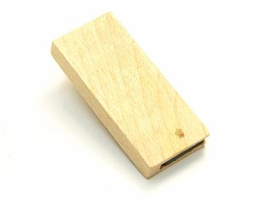 Компактная деревяная флешка