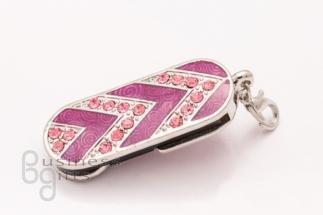 Флешка в виде розового кулона